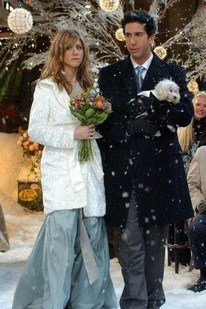 phoebe-wedding-rachel-bridesmaid-friends