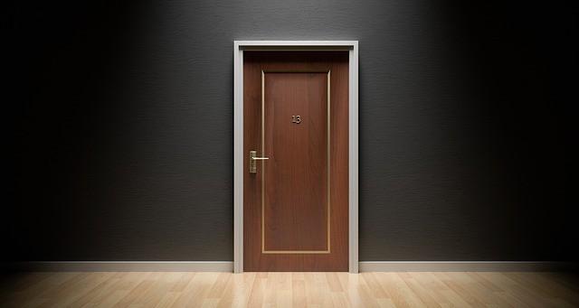 superstition-door-unlucky-13